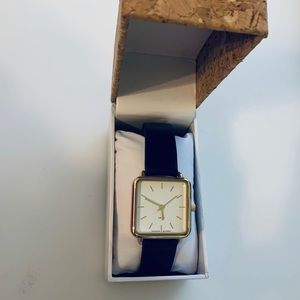 Accessories - Gold Square faced watch